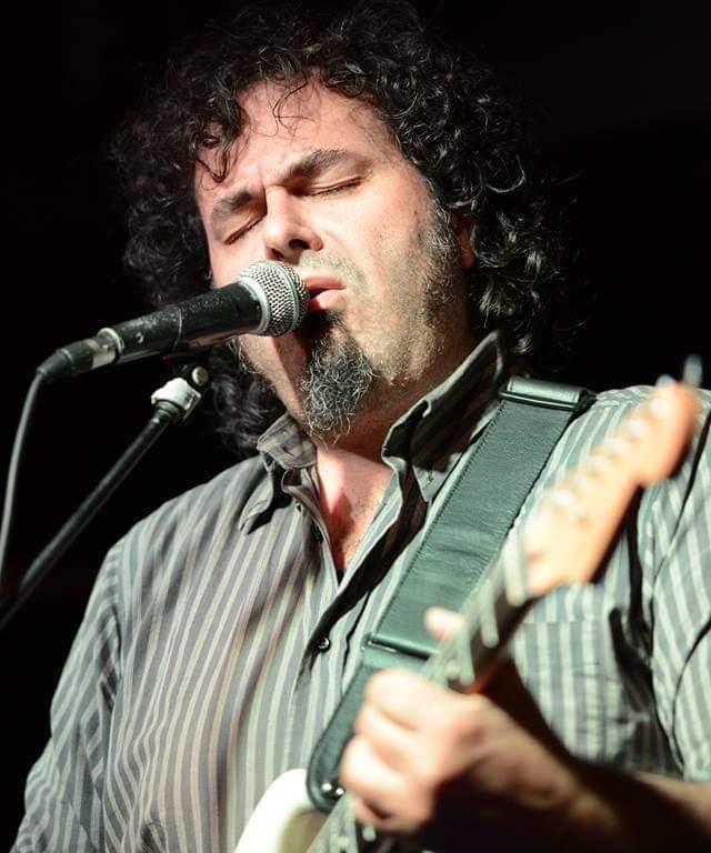 Claudio Maffei canta